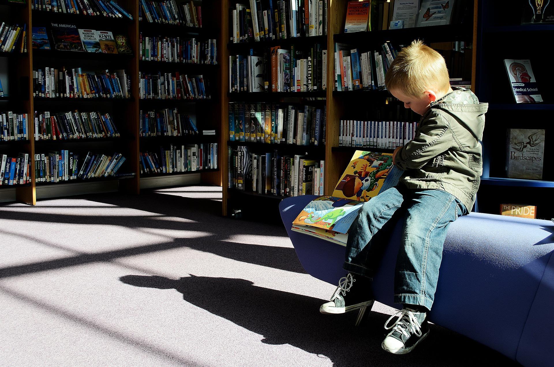 Reducir la brecha social con la lectura.
